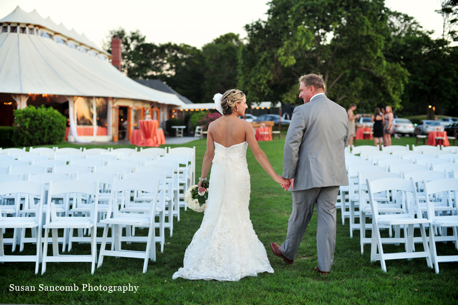 dayna ryan are married at castle hill inn newport. Black Bedroom Furniture Sets. Home Design Ideas